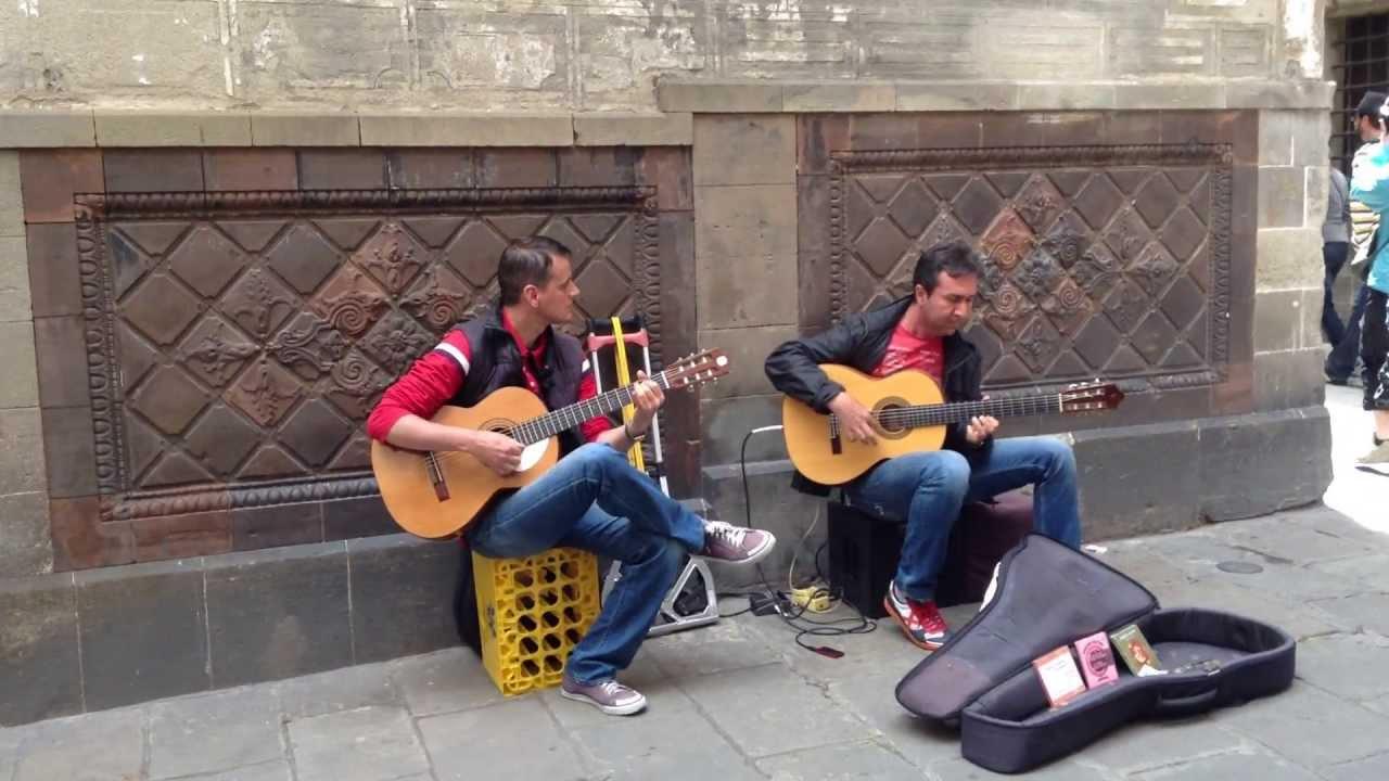 スペイン バルセロナ路上 フラメンコギター